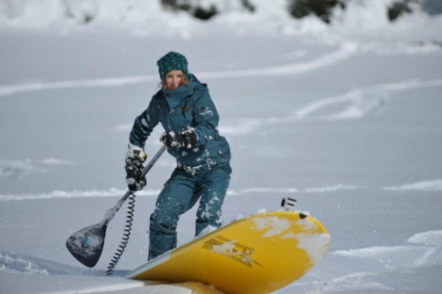 Stand Up Paddling in the snow