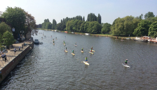 Battle of the Thames stand up paddleboard race