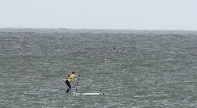 downwind stand up paddling