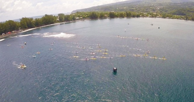 404 Tahiti stand up paddle board race