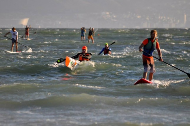 downwind stand up paddle race