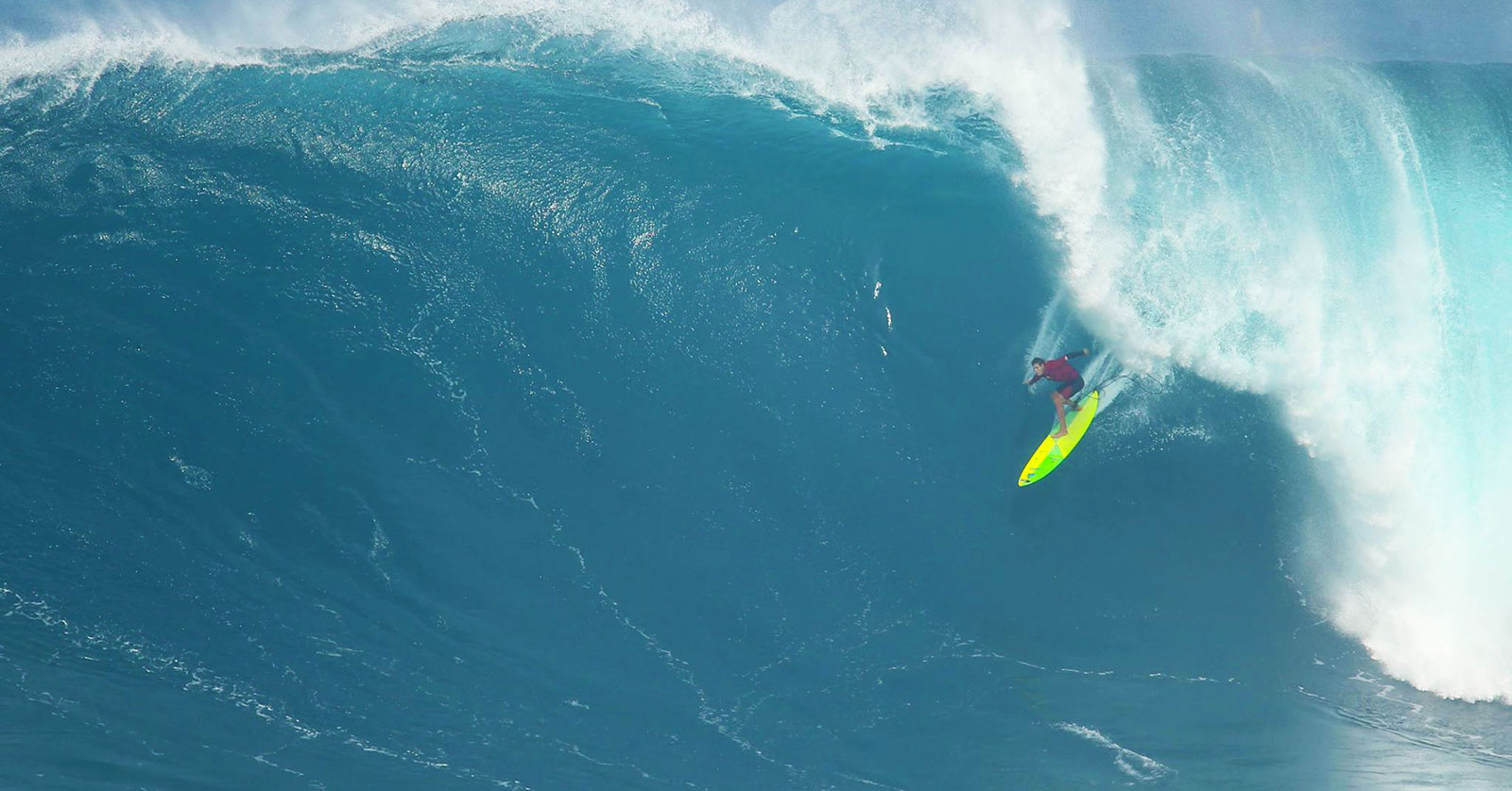 PHOTOS Worlds Top SUP Athletes Surfing Crazy Big Waves