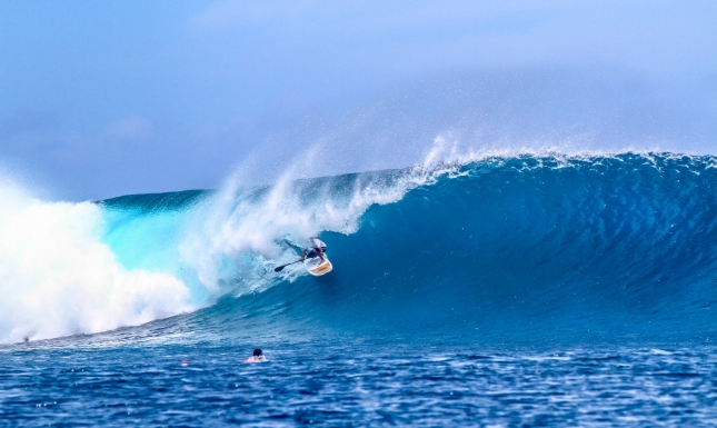 Stand up paddle surfing Fiji