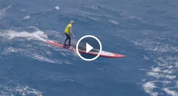 Olukai downwind race paddleboarding Maui Hawaii