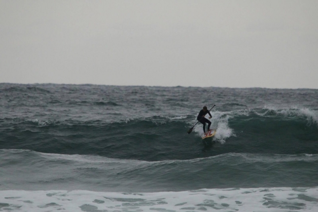 casper-steinfath-sup-surfing-in-korea