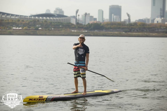 Casper Steinfath stand up paddling in Korea