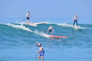 stand-up-paddleboard-racing-france