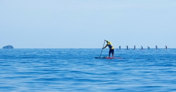 long-distance-stand-up-paddleboarding-race