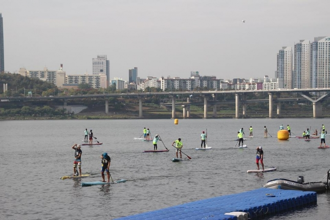 stand-up-paddleboard-race-in-korea