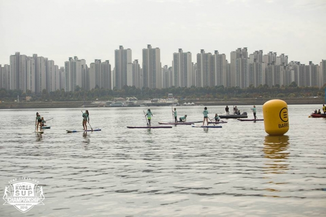 stand-up-paddleboard-race-in-seoul