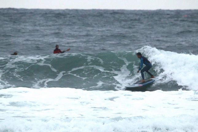 stand-up-paddleboard-surfing-in-korea
