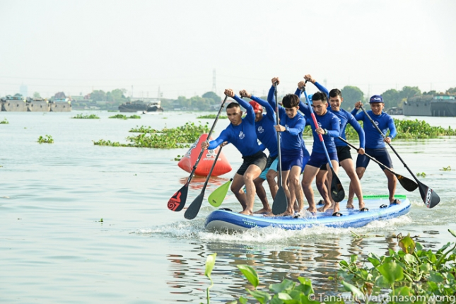 Stand Up Paddle Boarding in Bangkok Thailand (1)