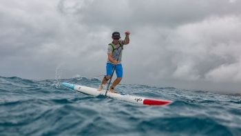 Downwind stand up paddle boarding on Maui