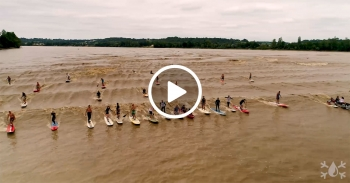 Le Mascaret tidal bore wave Bordeaux France